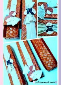 Souvenir Pernikahan tempat Pensil anyaman+pelepah+clay