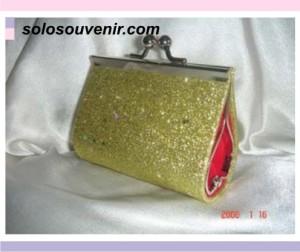 Souvenir Pernikahan dompet behel glitter