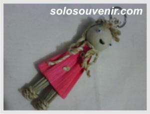 Souvenir Pernikahan Gantungan Kunci barbie warna