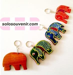Souvenir Pernikahan Gantungan Kunci Gajah Lukis
