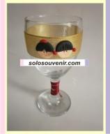 Souvenir Pernikahan Gelas Wine Clay Pita Emas