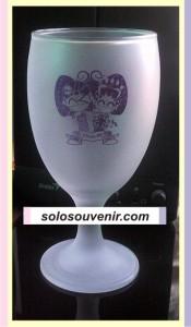 Souvenir Pernikahan Gelas Wine Besar Dove