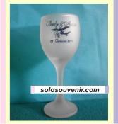 Souvenir Pernikahan Gelas Wine Kecil Dove