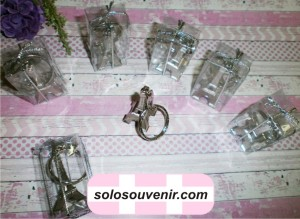 Souvenir Pernikahan Gantungan Kunci Menara Eiffel Sil