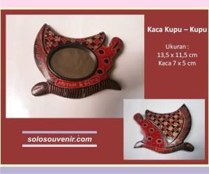 Souvenir Pernikahan kaca batik kupu - kupu