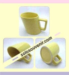 Souvenir Pernikahan Mug keramik Miring (DMG07)