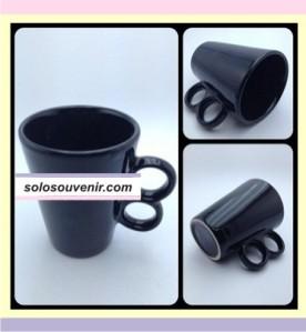 Souvenir Pernikahan Mug keramik Kerucut gagang dua(DMG0