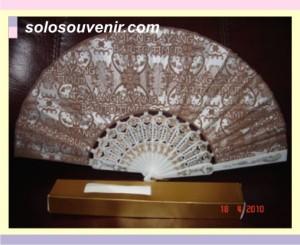 Souvenir Pernikahan kipas barito gagang putih