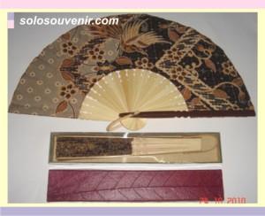 Souvenir Pernikahan kipas batik jumbo