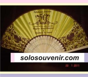 Souvenir Pernikahan kipas motif batik gagang jepang