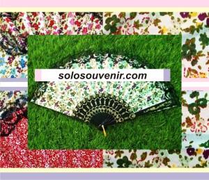 Souvenir Pernikahan KIpas Motif Bunga Gagang Spanyol