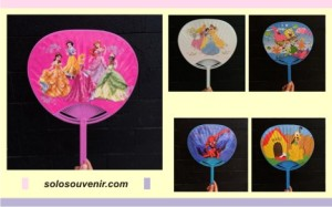 Souvenir Pernikahan Kipas Plastik Gagang Lurus Disney