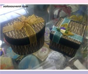 Souvenir Pernikahan box perhiasan lidi box / kotak