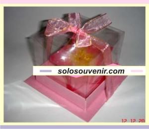 Souvenir Pernikahan lilin kamboja