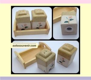 Souvenir Pernikahan tempat merica dan garam kotak tinggi(TM06)