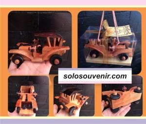 Souvenir Pernikahan Miniatur Mobil Tua