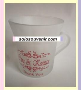 Souvenir Pernikahan Mug gagang besar dove