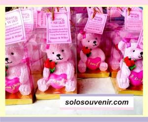 Souvenir Pernikahan panda love + mika