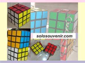 Souvenir Pernikahan Gantungan Kunci Rubik