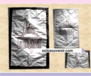 Souvenir Pernikahan Sajadah Blacu List Batik