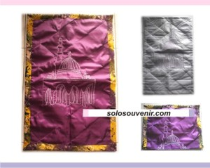 Souvenir Pernikahan Sajadah Satin List Batik