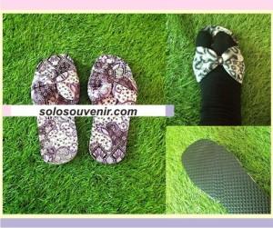 Souvenir Pernikahan Sandal batik pita