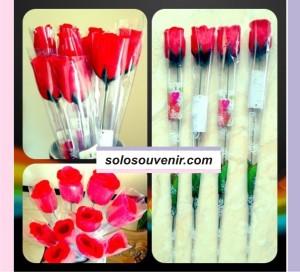 Souvenir Pernikahan Bunga Mawar