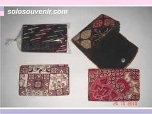 Souvenir Pernikahan dompet batik 11,5cm tanpa kaca