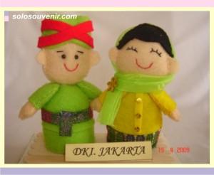 Souvenir Pernikahan boneka flanel DKI