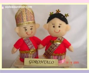 Souvenir Pernikahan boneka flanel gorontalo