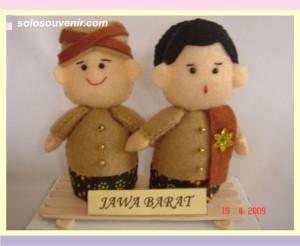 Souvenir Pernikahan boneka flanel JABAR