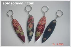 Souvenir Pernikahan Gantungan Kunci batik lukis panjang