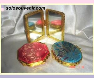 Souvenir Pernikahan kaca kaca china