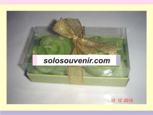 Souvenir Pernikahan lilin mawar box isi 2