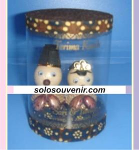 Souvenir Pernikahan boneka adat tabung 001