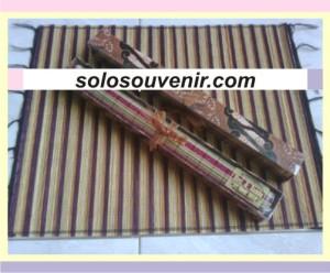 Souvenir Pernikahan Placemate lidi box batik