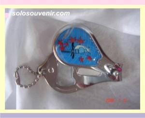 Souvenir Pernikahan gunting kuku 3in1 oval