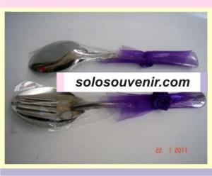 Souvenir Pernikahan sendok garpu tile besar