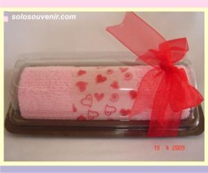 Souvenir Pernikahan towel cake20x20