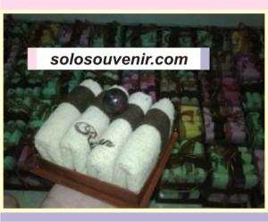 Souvenir Pernikahan towel cake vnt