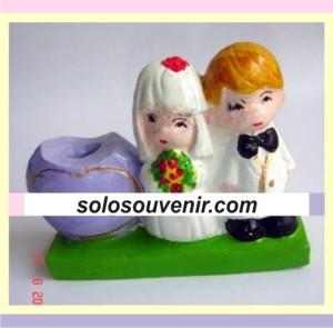 Souvenir Pernikahan Tempat Pensil Manten Kecil