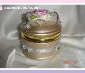 Souvenir Pernikahan Tempat Perhiasan emas