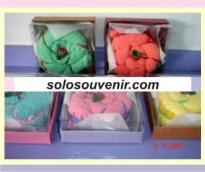 Souvenir Pernikahan towel cake 020