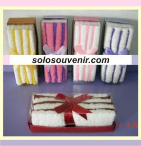 Souvenir Pernikahan towel cake 021