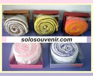 Souvenir Pernikahan towel cake 022