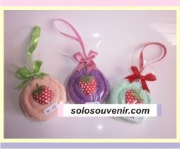 Souvenir Pernikahan towel Candy Strawberry (03)