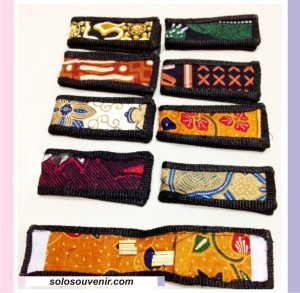 Souvenir Pernikahan tusuk gigi batik