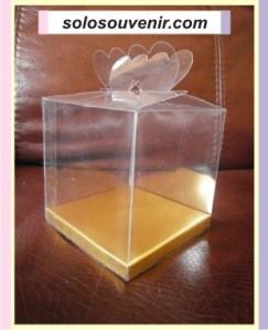 Mika kemasan souvenir pernikahan ukuran 8 x 8 x 8