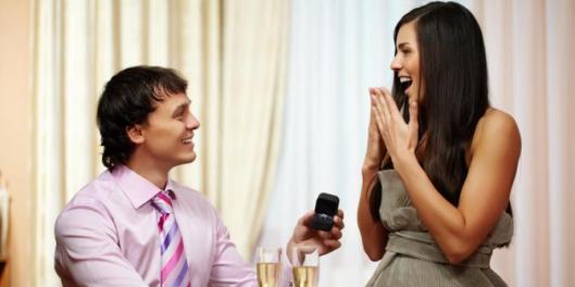 aturan-penting-saat-melamar-kekasih-di-tempat-umum